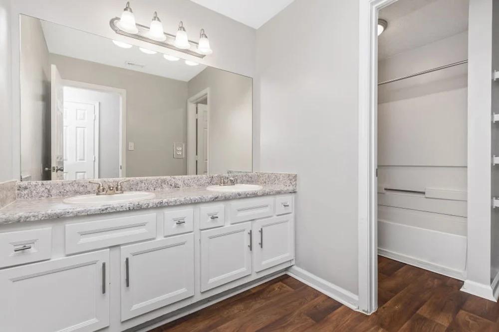 Bath Makeover Gallery 10